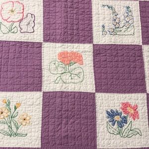 """VINTAGE EMBROIDERED QUILT, EUC, 66"""" X 80"""" ADORABLE"""